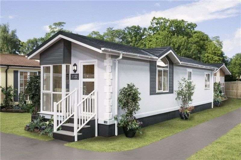 2 Bedrooms Bungalow for sale in Plot 30, Harpswell Hill Park, Hemswell, Gainsborough, Lincolnshire, DN21 5UT