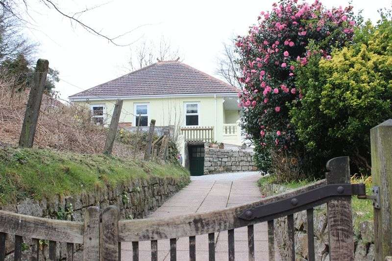 3 Bedrooms Detached Bungalow for sale in Carthew, St. Austell