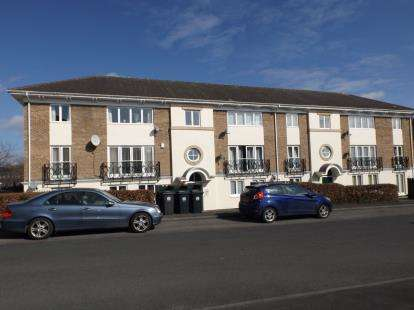 2 Bedrooms Flat for sale in Hawkesbury Mews, Darlington, Durham