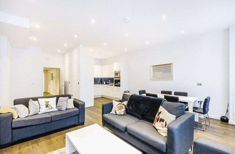 2 Bedrooms Flat for sale in Buckingham Palace Road, London