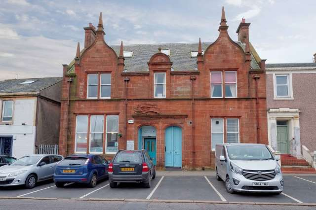 2 Bedrooms Flat for sale in Templehill, Troon, South Ayrshire, KA10 6BQ