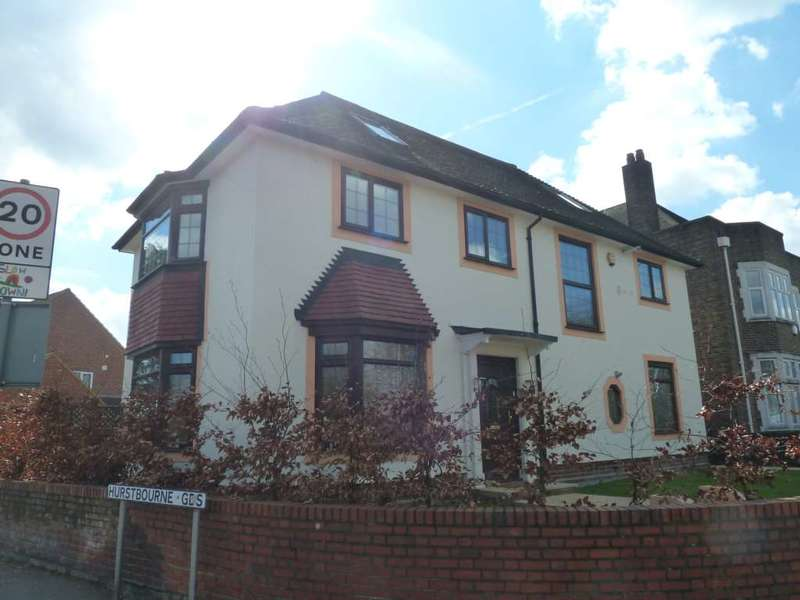 5 Bedrooms Detached House for sale in Longbridge Road, Barking