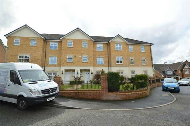 2 Bedrooms Flat for sale in Hampstead Drive, Whitefield, MANCHESTER, Lancashire