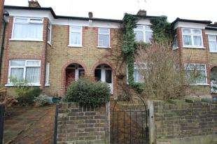 2 Bedrooms Maisonette Flat for sale in Brampton Road, Croydon