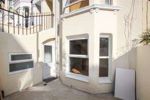 2 Bedrooms Flat for sale in Gladstone Place, Brighton, East Sussex