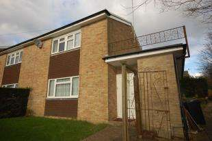 3 Bedrooms Semi Detached House for sale in Lealands Drive, Uckfield, East Sussex