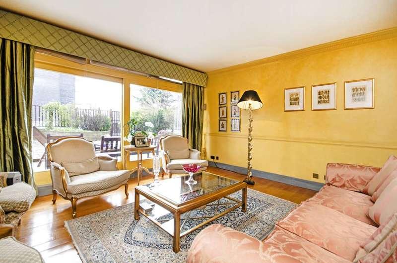 4 Bedrooms Flat for sale in Avenue Road, Regent's Park, NW8