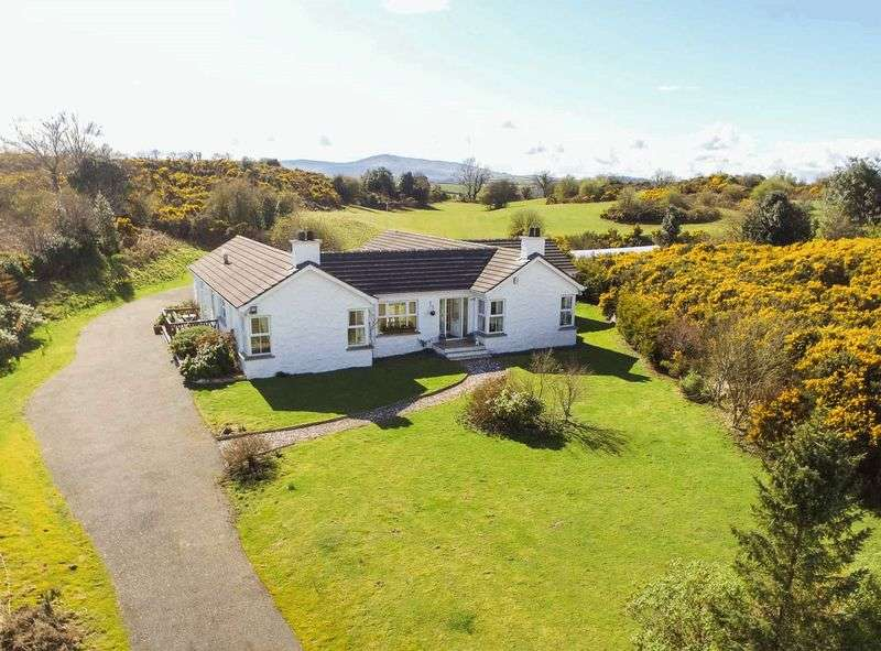 4 Bedrooms Detached Bungalow for sale in 120 Drumnaconagher Road, Crossgar, BT24 8YH