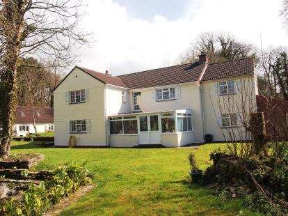 4 Bedrooms Detached House for sale in Newquay, Cornwall, England