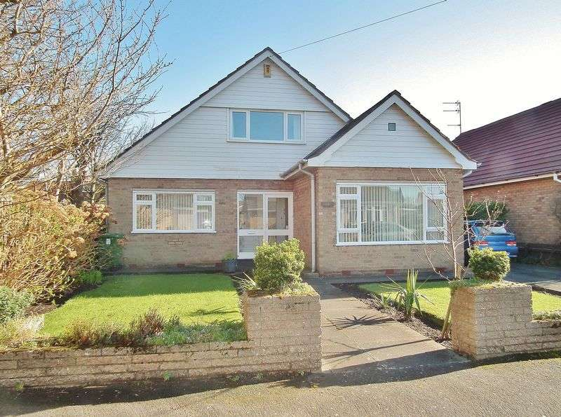 3 Bedrooms Detached House for sale in Dukes Way, Formby