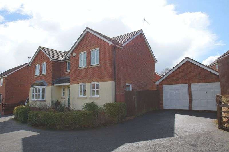 4 Bedrooms Detached House for sale in Robins Lane, Brockhill, Redditch, Worcestershire