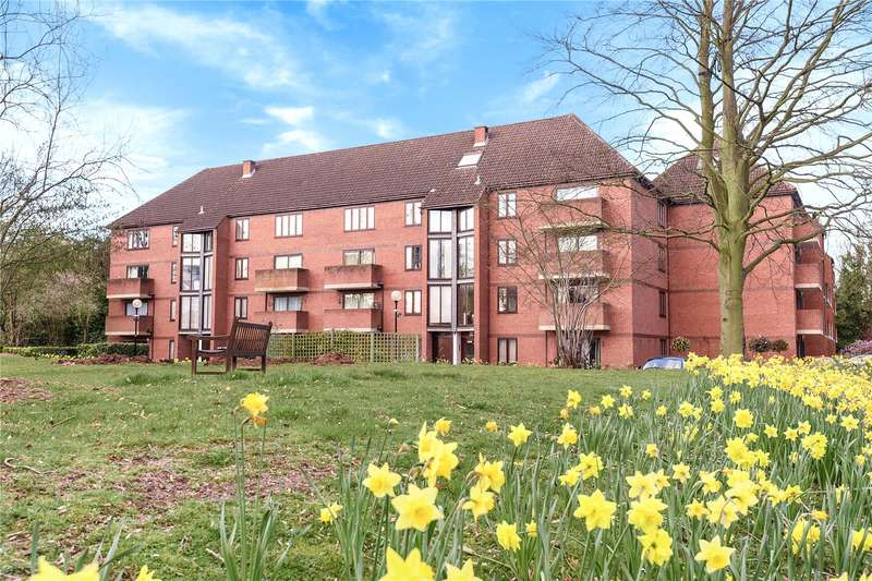 2 Bedrooms Apartment Flat for sale in Winslow Close, Pinner, Middlesex, HA5