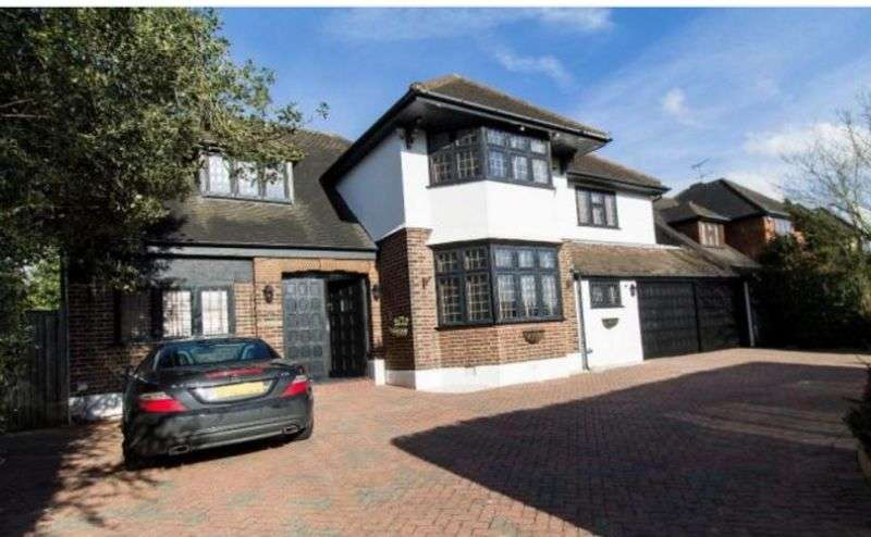 5 Bedrooms Detached House for sale in 5 bedroom detached house for sale, Chigwell Rise, Chigwell, Essex, IG7