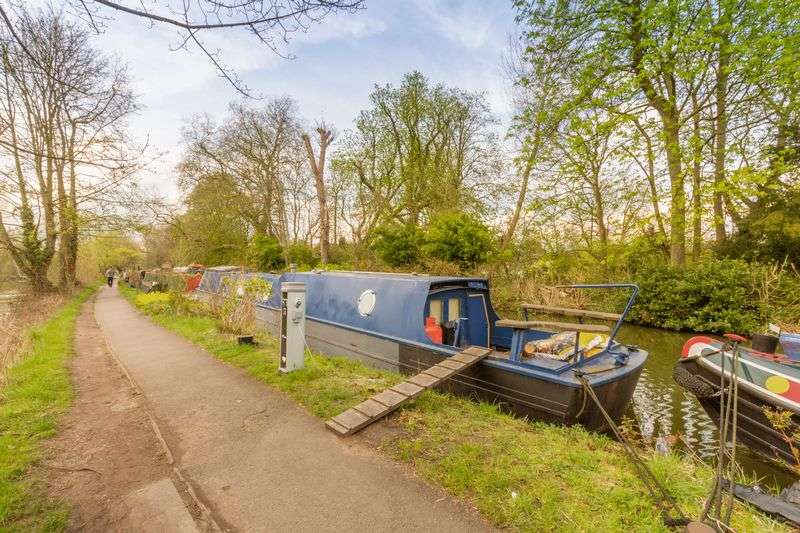 1 Bedroom Property for sale in Residential Narrowboat with Mooring, Central Oxford
