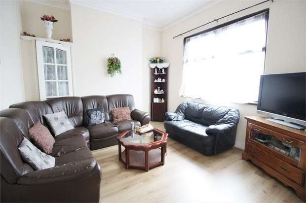 3 Bedrooms Terraced House for sale in Livingstone Place, Newport