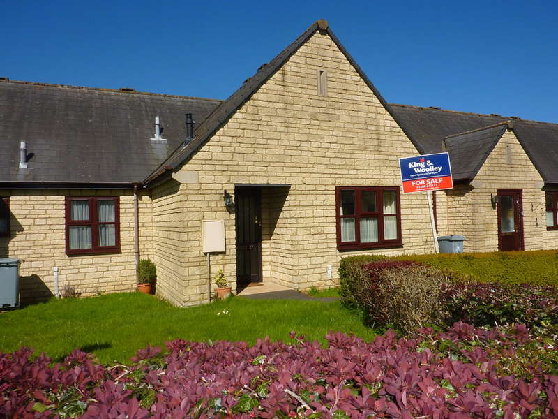 1 Bedroom Terraced Bungalow for sale in Chipping Norton, Oxfordshire