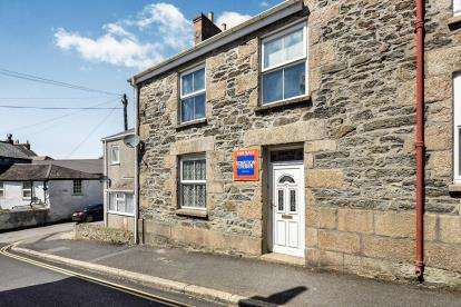 3 Bedrooms Terraced House for sale in Redruth, Cornwall, .