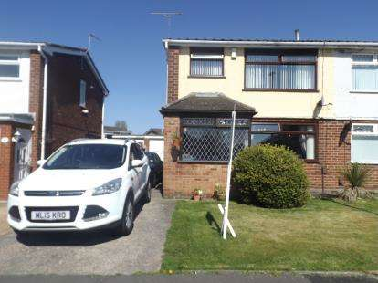 3 Bedrooms House for sale in Radnor Drive, Widnes, Cheshire, WA8