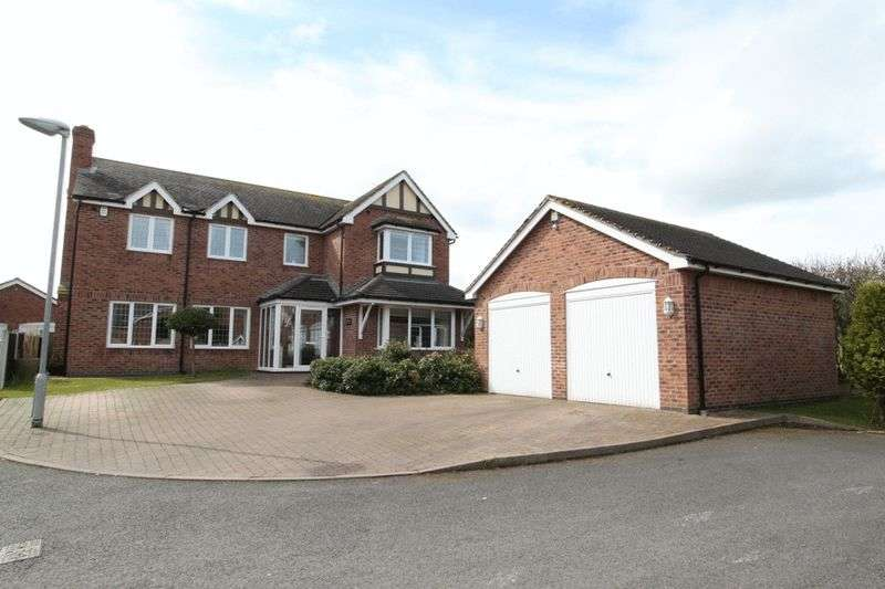 5 Bedrooms Detached House for sale in Hampton Court, Newcastle