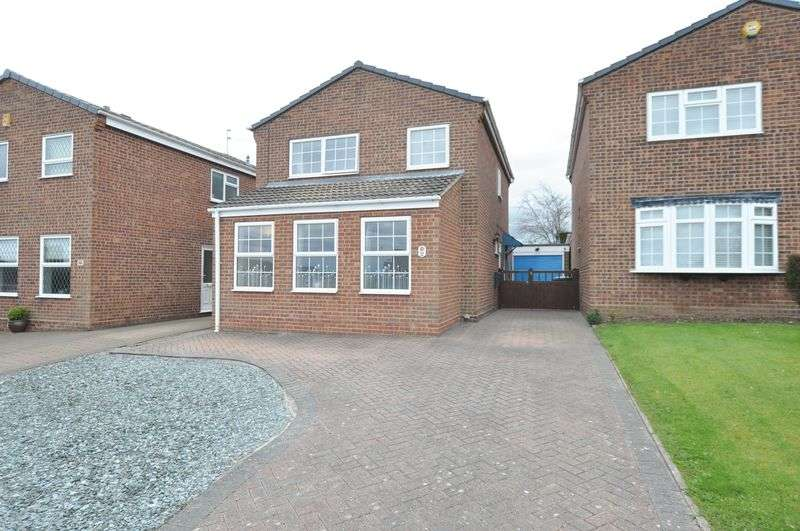 4 Bedrooms Detached House for sale in Ferrers Avenue, Tutbury