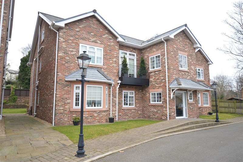 3 Bedrooms Flat for sale in Hillside Drive, Woolton