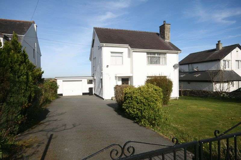 3 Bedrooms Detached House for sale in Rhostrehwfa, Anglesey