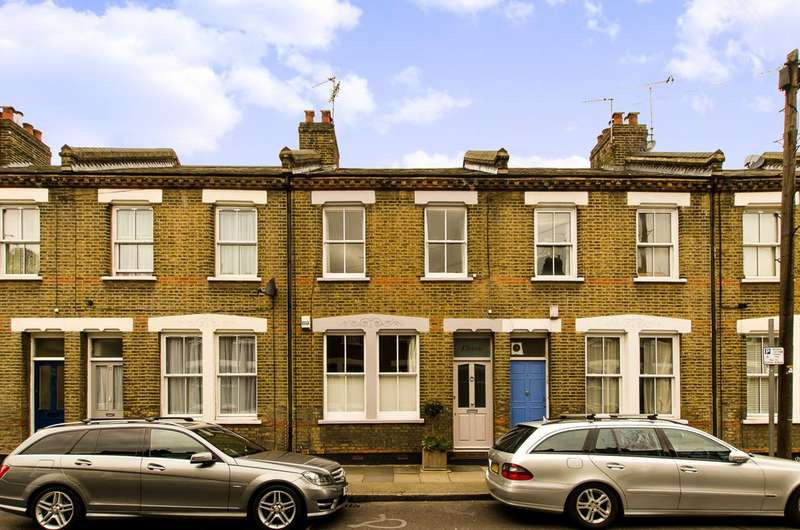 3 Bedrooms Terraced House for sale in Senrab Street, Stepney, E1