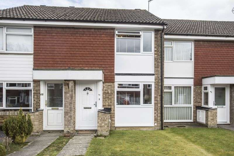 2 Bedrooms Terraced House for sale in Sycamore Avenue, Horsham