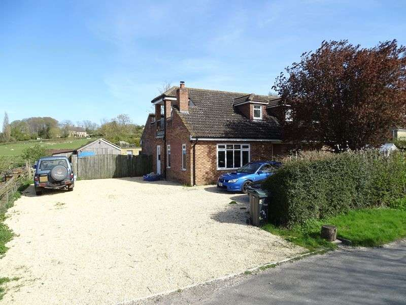 5 Bedrooms Detached House for sale in Seend Cleeve