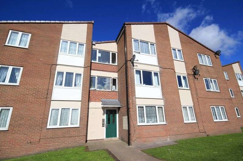 3 Bedrooms Flat for sale in Castle Court, Whitchurch