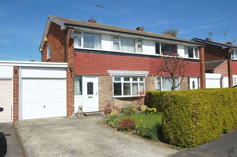 3 Bedrooms Semi Detached House for sale in De Bruce Road, Northallerton