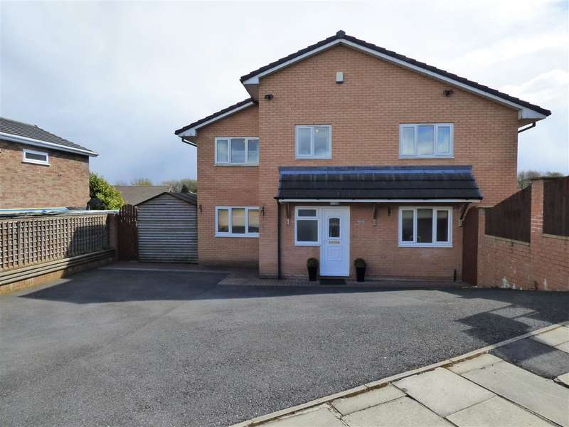 5 Bedrooms Detached House for sale in Wellfield Drive, Burnley