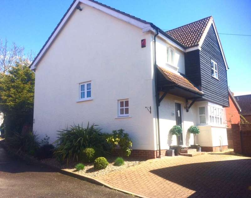 4 Bedrooms Detached House for sale in Priors Way, Coggeshall
