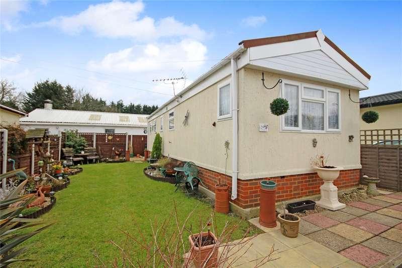 2 Bedrooms Bungalow for sale in Fordbridge Park, Fordbridge Road, Sunbury-on-Thames, Surrey, TW16