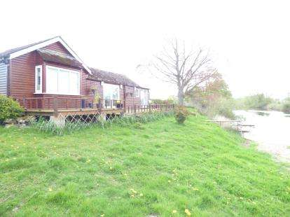 1 Bedroom Bungalow for sale in Almere Farm, Trevalyn, Wrexham, Wrecsam, LL12