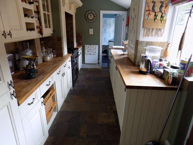 3 Bedrooms Terraced House for sale in HURCOTT RD, WORCS, Worcestershire, DY10