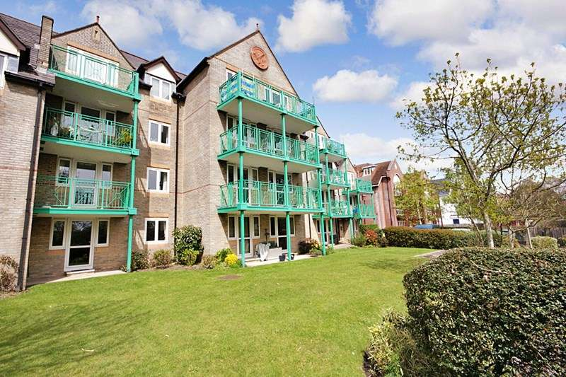 1 Bedroom Retirement Property for sale in Parklands Court, Poole, BH15 2QE