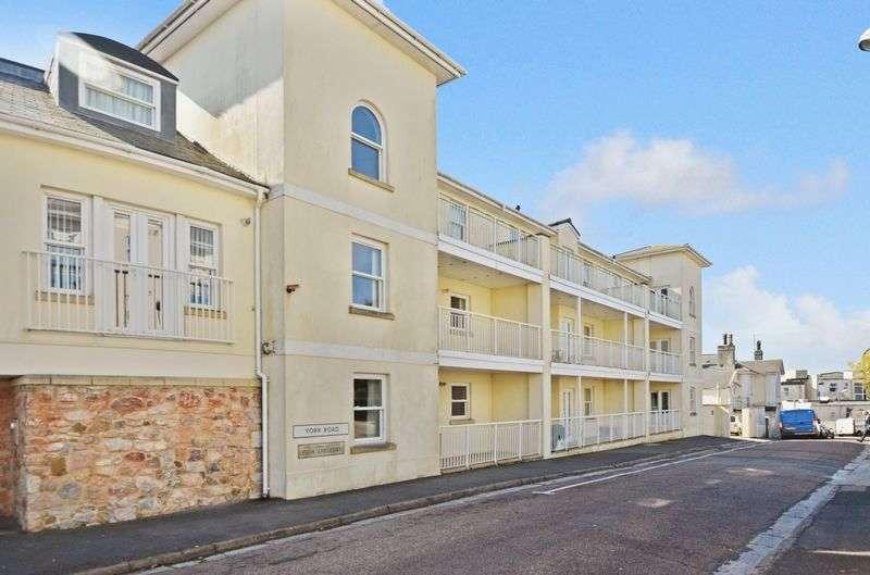 2 Bedrooms Flat for sale in York Road, Torquay