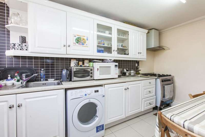 2 Bedrooms Flat for sale in Eric Street, London E3