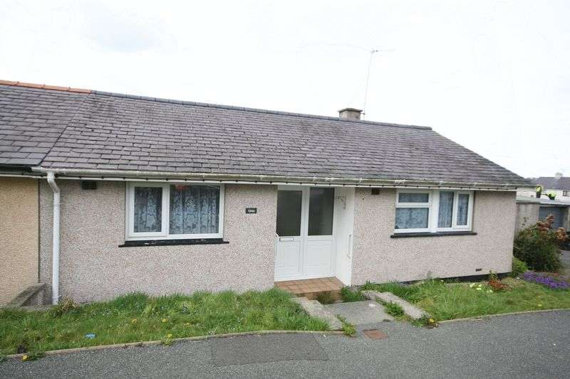 2 Bedrooms Semi Detached Bungalow for sale in Llangefni, Anglesey