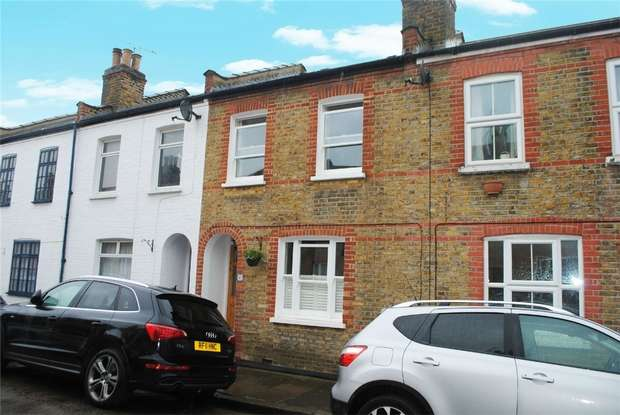 2 Bedrooms Terraced House for sale in Hamilton Road, Twickenham