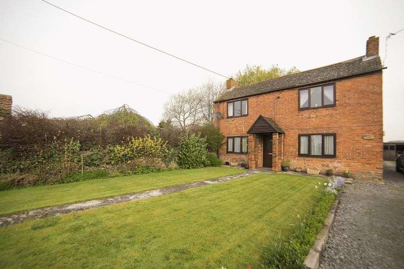 3 Bedrooms Detached House for sale in Scotterthorpe, Gainsborough