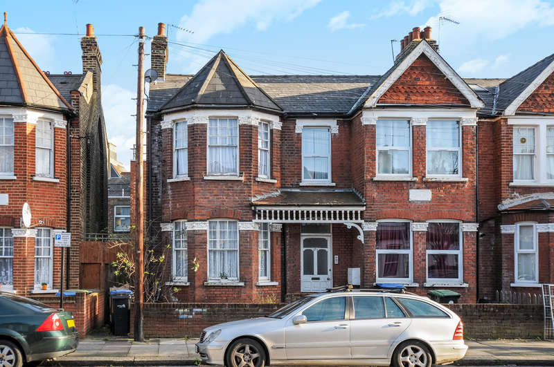 2 Bedrooms Ground Flat for sale in Devonshire Road, Palmers Green