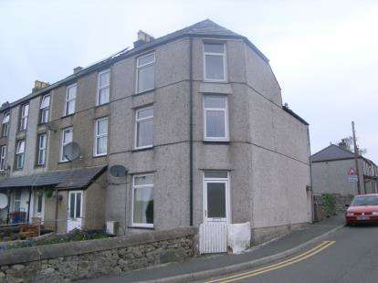 3 Bedrooms End Of Terrace House for sale in County Road, Penygroes, Caernarfon, Gwynedd, LL54