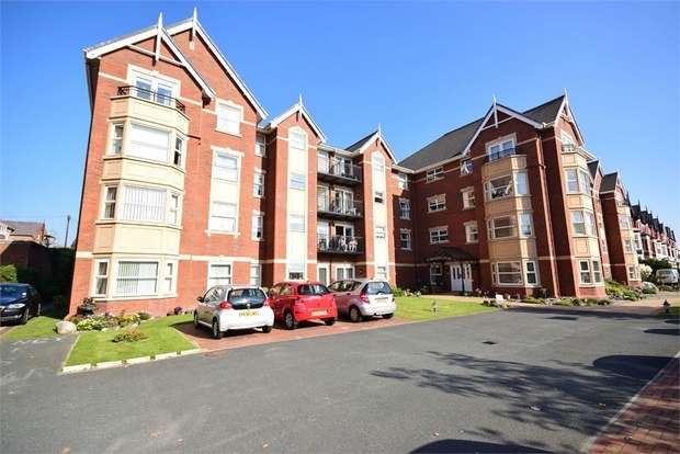 1 Bedroom Flat for sale in Apartment 111, Hardaker Court, 319-323 Clifton Drive South, LYTHAM ST ANNES, Lancashire