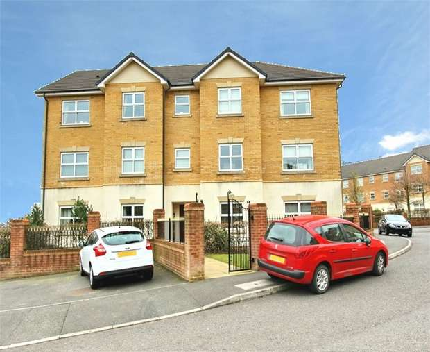1 Bedroom Flat for sale in Hampstead Drive, Whitefield, MANCHESTER, Lancashire