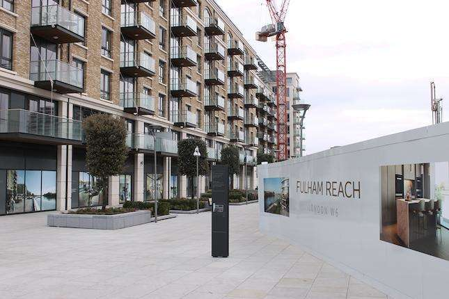 2 Bedrooms Flat for sale in Brunswick House, Fulham Reach, Fulham