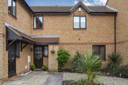 2 Bedrooms Terraced House for sale in St. Bees, Monkston, Milton Keynes, Buckinghamshire
