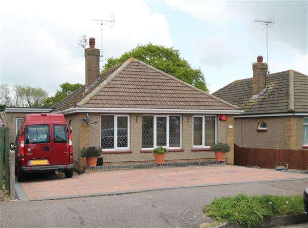 3 Bedrooms Bungalow for sale in Craigfield Avenue, Great Clacton