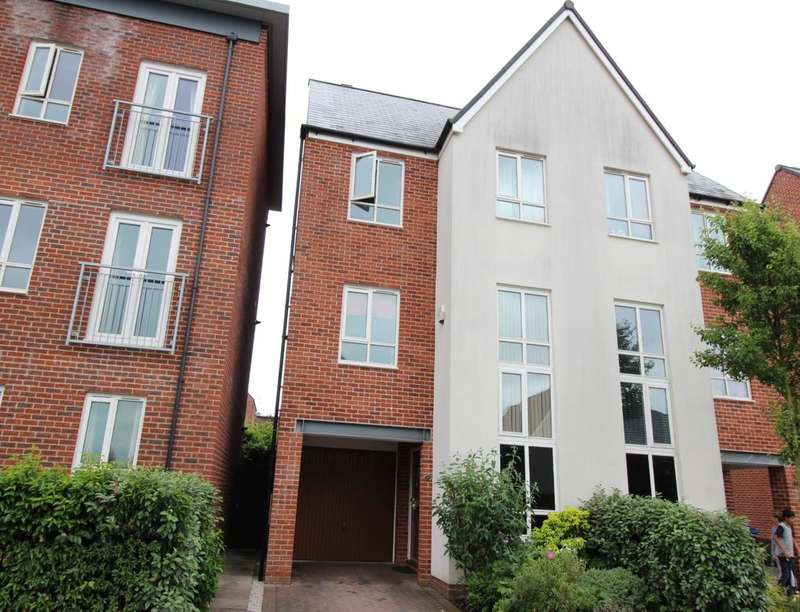 4 Bedrooms Semi Detached House for sale in Sytchmill Way, Burslem , Stoke-On-Trent, ST6
